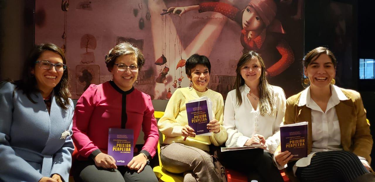 Autoras-moderadora-y-profesora-Rosario